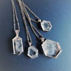 画像8: 【1点もの・B】エンジェルラダークォーツ 原石スライス サージカルステンレスシルバー45+5cmネックレス (8)