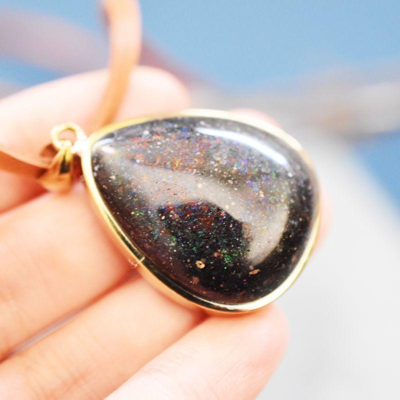 画像1: 【1点もの・C】まるで銀河! 超大粒 マトリックスブラックオパール ペンダント 鹿革コードブラウン約80cm (1)